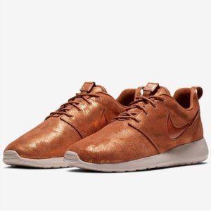 NWOT Nike Roshe One Premium Metallic Tawny Orange